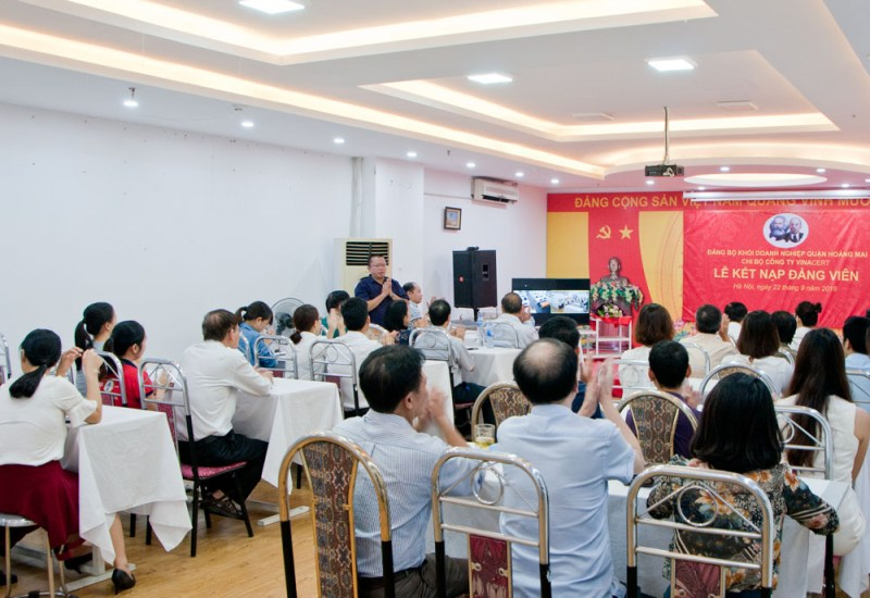 Lễ kết nạp Đảng viên mới cho đồng chí Nguyễn Phong Phú