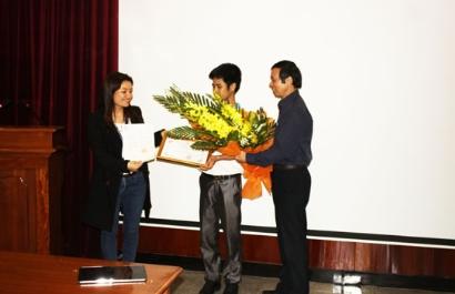 VinaCert trao giải cho các cá nhân, tập thể xuất sắc năm 2014