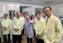 Bộ Nông, Lâm, Ngư nghiệp Campuchia thăm quan Phòng thử nghiệm 3 của VinaCert