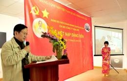 Chi bộ Công ty VinaCert tổ chức Lễ kết nạp đảng viên mới cho đồng chí Phan Hải Châu