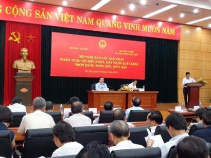 """Bộ NN&PTNT và Bộ Công Thương cùng doanh nghiệp tìm """"Giải pháp tháo gỡ khó khăn, đẩy mạnh xuất khẩu nhóm hàng nông sản, thủy sản"""""""